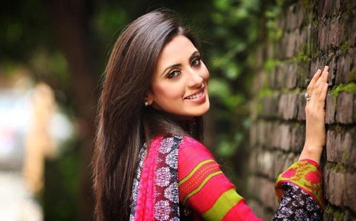 বিদ্যা সিনহা সাহা মীম (জন্ম ১০ নভেম্বর ১৯৯২) একজন বাংলাদেশের চলচ্চিত্র ও টেলিভিশন অভিনেত্রী এবং মডেল।